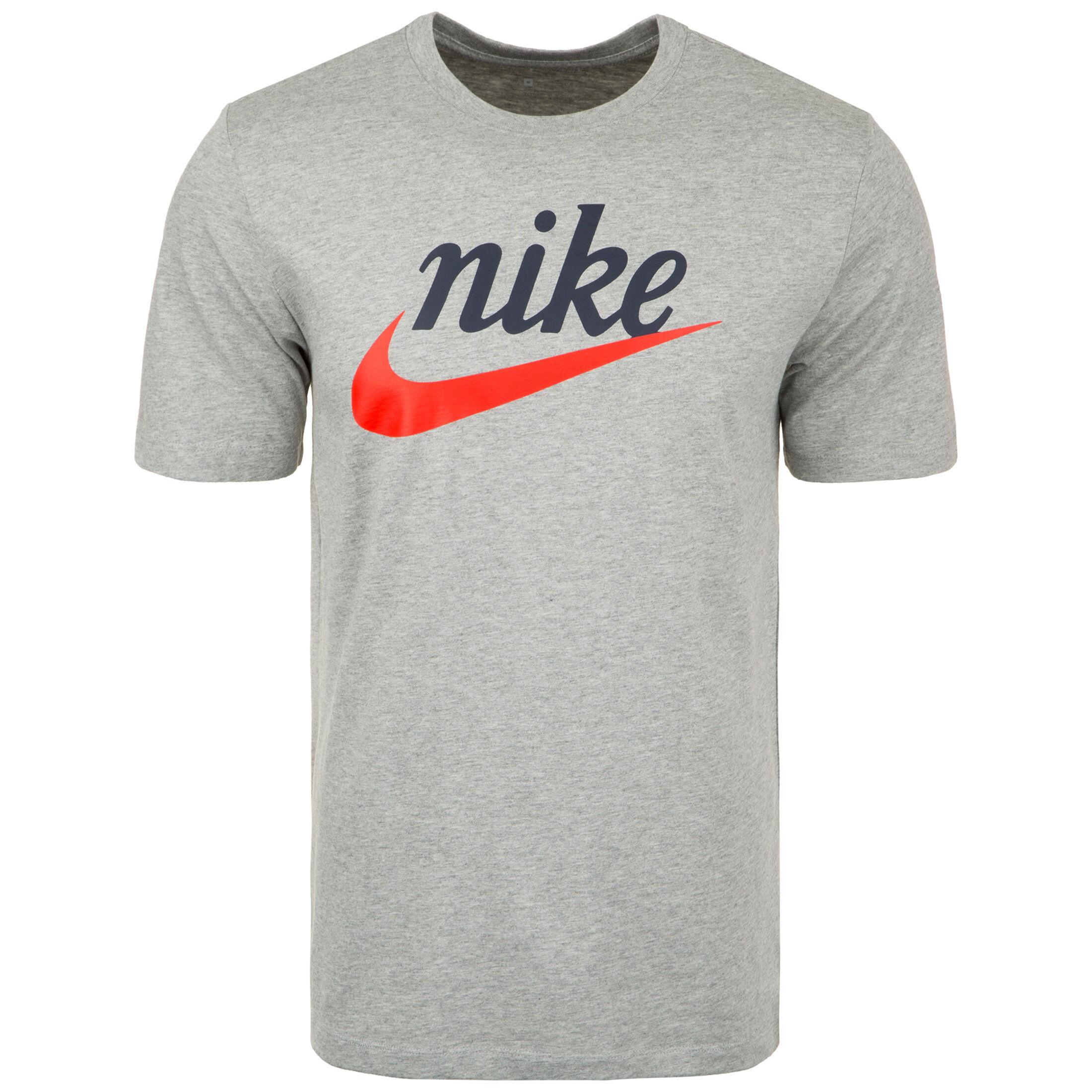Nike Sportswear Sportswear Heritage T Shirt Herren bei OUTFITTER