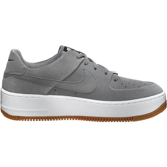 Air Force 1 Sage Low Sneaker Damen, grau / schwarz, zoom bei OUTFITTER Online