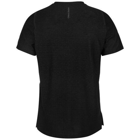Pro Trainingsshirt Herren, schwarz / grau, zoom bei OUTFITTER Online