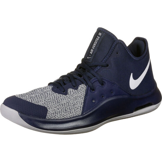 Versitile III Basketballschuh Herren, dunkelblau / grau, zoom bei OUTFITTER Online